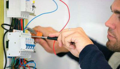 Аварийный вызов электрика в Калининграде